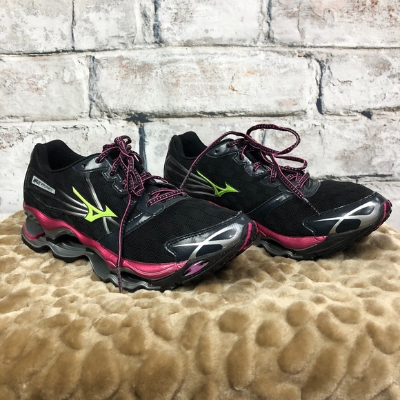 6d3f379bee70ab Mizuno Wave Prophecy 2 Running Shoes. M 5ab7eacab7f72bca1682187a